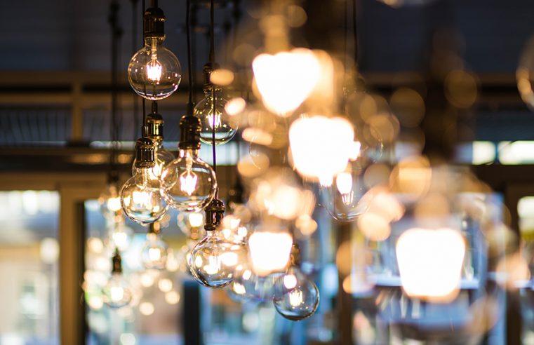 Nowoczesność i estetyka w jednym – designerskie rozwiązania włączników światła do każdego domu